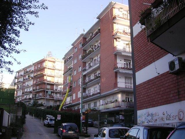 Quadrilocale in Via San Domenico 62, Vomero, Napoli