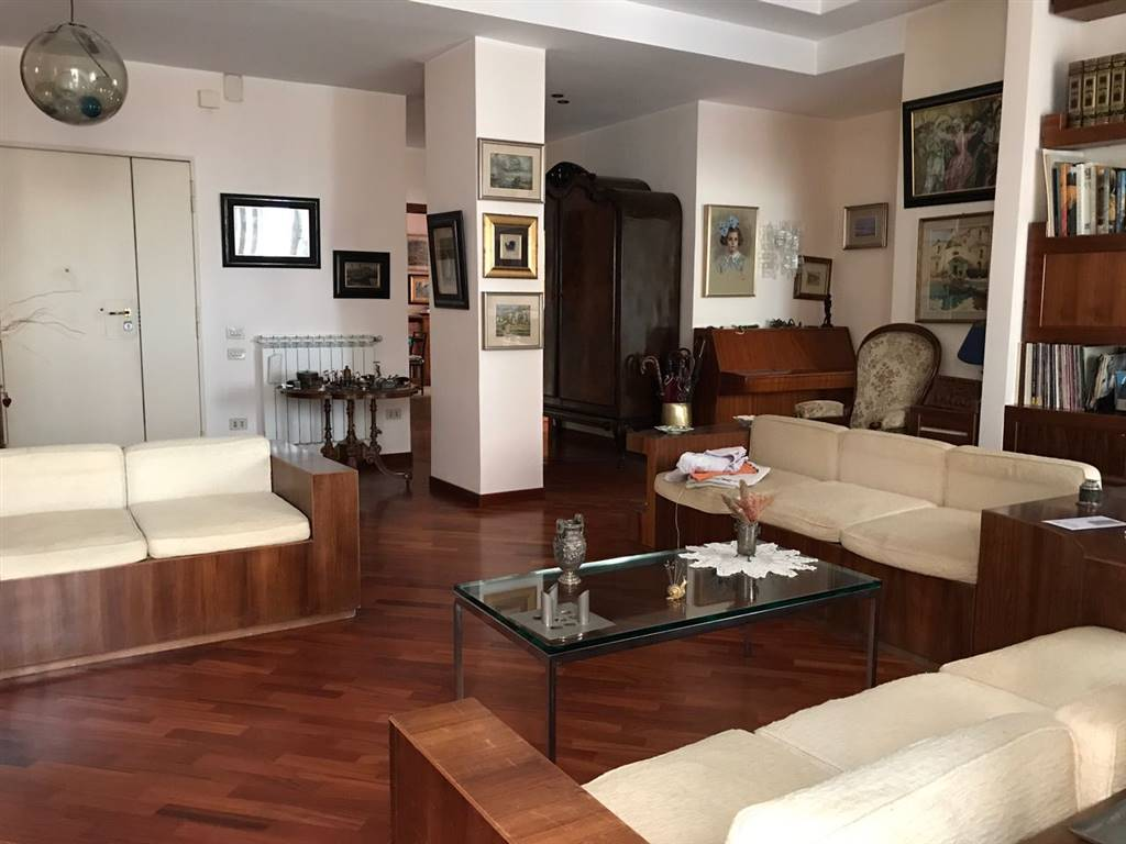 Appartement au NAPOLI 120 Mq | 4 Locals