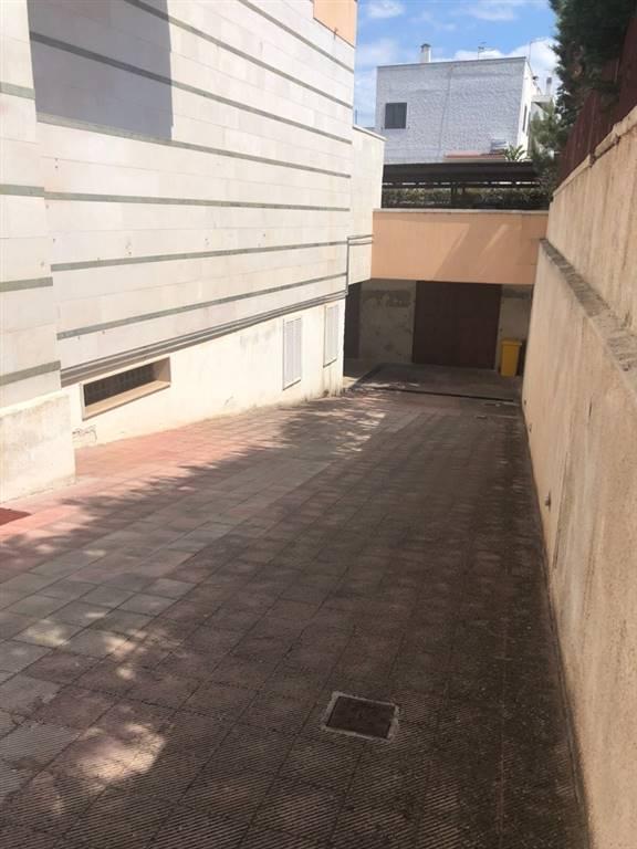 garage-Box-posto auto  in Vendita a Fasano
