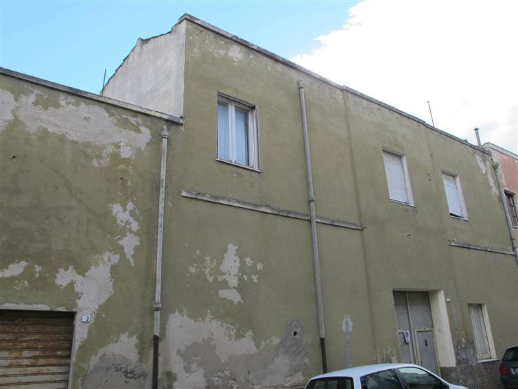 Soluzione Indipendente in vendita a Monserrato, 11 locali, prezzo € 185.000 | Cambio Casa.it