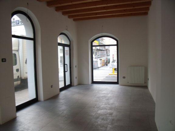 Locale commerciale, Angeli Di Varano, Ancona, in nuova costruzione