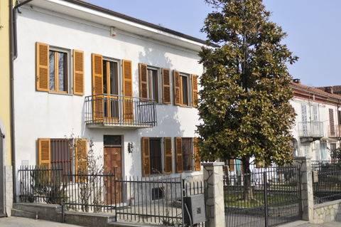 Soluzione Semindipendente in vendita a Camerano Casasco, 7 locali, prezzo € 147.000 | CambioCasa.it
