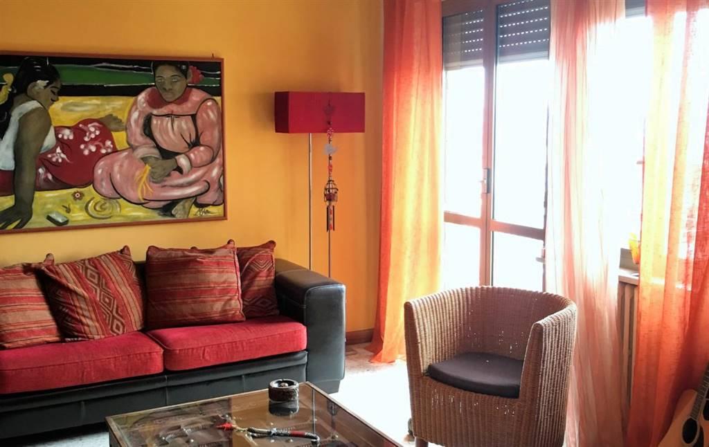 Appartamento in vendita a Napoli, 4 locali, zona Zona: 6 . Ponticelli, Barra, San Giovanni a Teduccio, prezzo € 138.000 | CambioCasa.it
