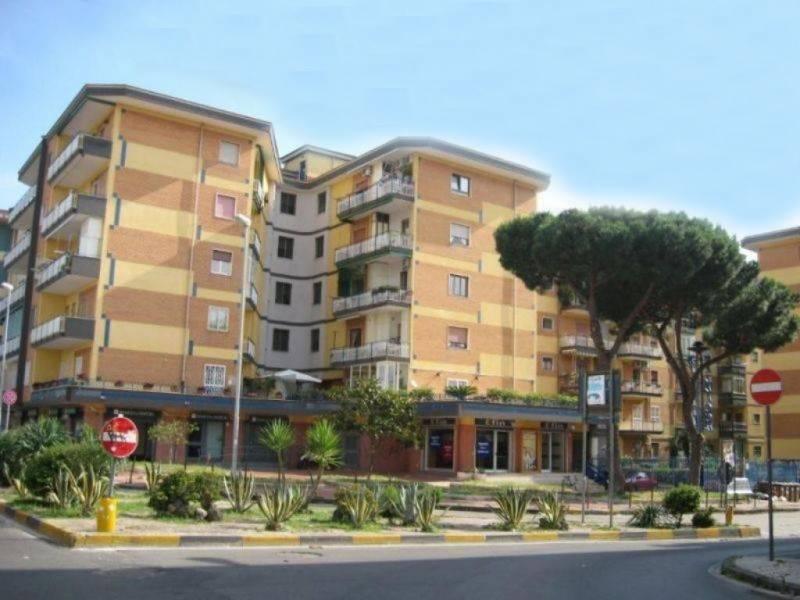 Ufficio / Studio in affitto a San Giorgio a Cremano, 2 locali, prezzo € 550 | CambioCasa.it