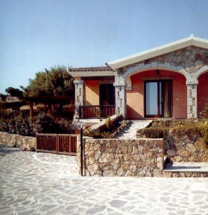 Villa in vendita a Loiri Porto San Paolo, 4 locali, zona Zona: Porto San Paolo, prezzo € 210.000 | CambioCasa.it