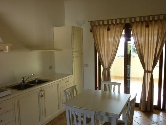 Appartamento in vendita a Loiri Porto San Paolo, 4 locali, zona Zona: Porto San Paolo, prezzo € 220.000 | Cambio Casa.it
