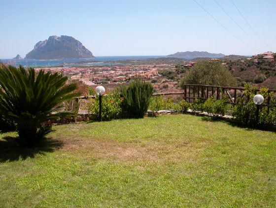 Villa in vendita a Loiri Porto San Paolo, 6 locali, zona Zona: Porto San Paolo, prezzo € 250.000 | CambioCasa.it