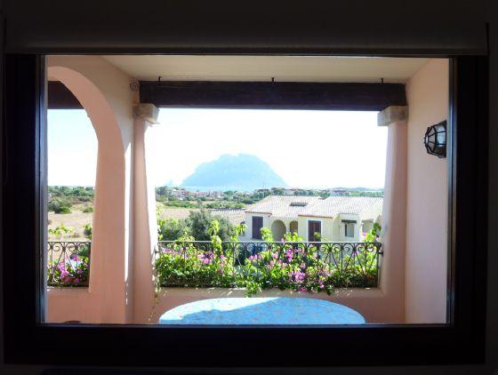 Appartamento in vendita a Loiri Porto San Paolo, 6 locali, zona Zona: Porto San Paolo, prezzo € 400.000 | Cambio Casa.it