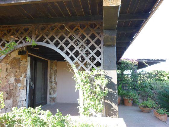 Villa in vendita a San Teodoro, 8 locali, zona Zona: Punta Molara, prezzo € 400.000 | Cambio Casa.it
