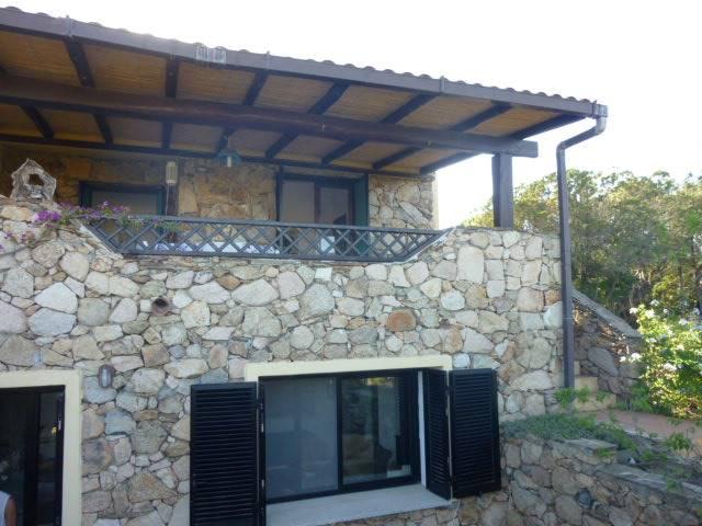 Villa in vendita a San Teodoro, 10 locali, zona Zona: Punta Molara, prezzo € 580.000 | Cambio Casa.it