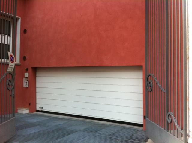 garage-Box-posto auto  in Vendita a Verona