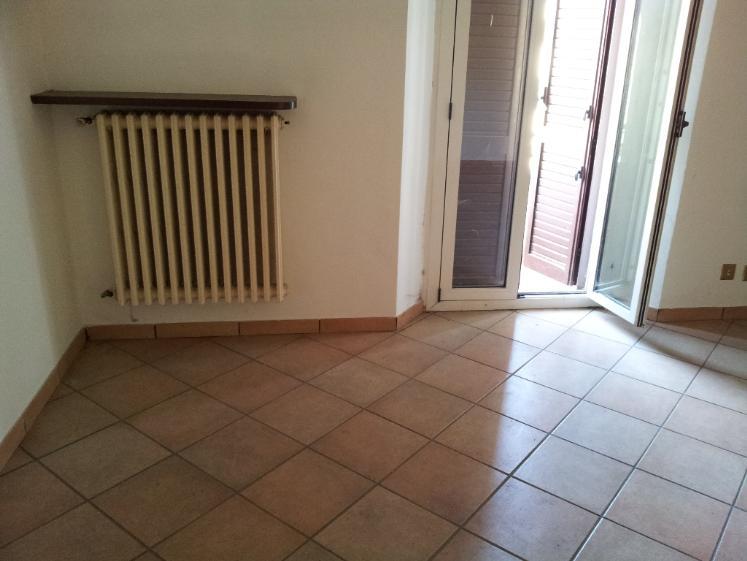 Appartamento in vendita a Castelplanio, 3 locali, zona Località: STAZIONE, prezzo € 75.000 | CambioCasa.it