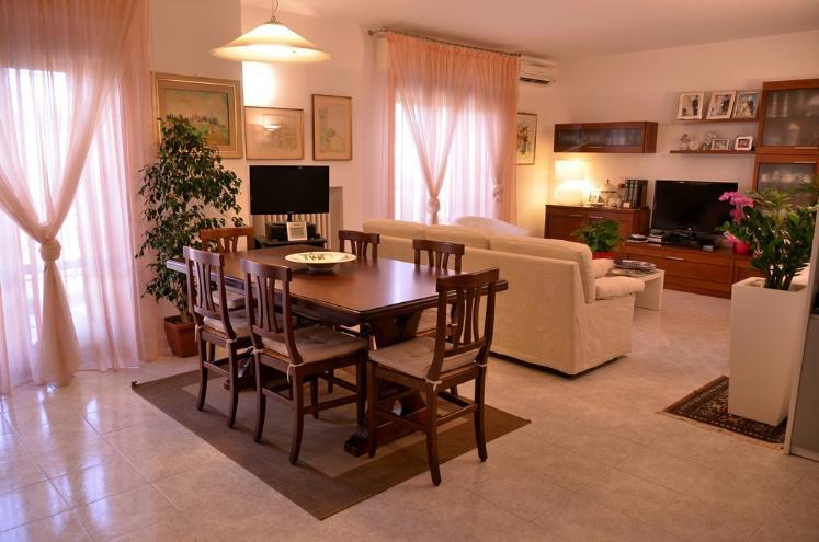 Appartamento in vendita a Castelbellino, 4 locali, zona Zona: Castelbellino Stazione, prezzo € 125.000 | Cambio Casa.it
