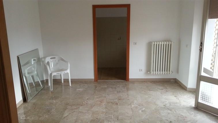 Appartamento in vendita a Mergo, 4 locali, zona Località: ANGELI DI MERGO, prezzo € 85.000 | Cambio Casa.it