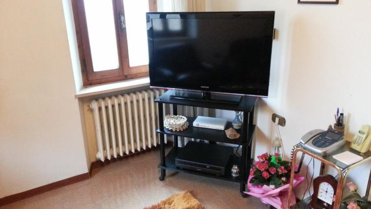 Appartamento in vendita a Poggio San Marcello, 6 locali, prezzo € 100.000 | Cambio Casa.it