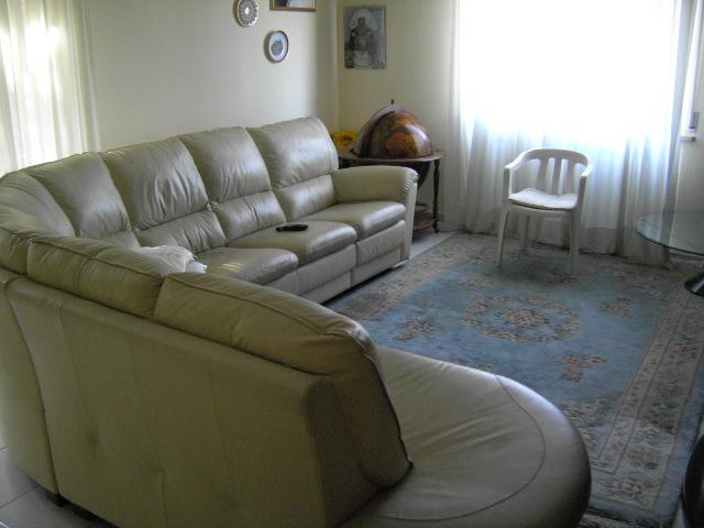 Appartamento in vendita a Maiolati Spontini, 4 locali, zona Zona: Moie, prezzo € 165.000 | CambioCasa.it