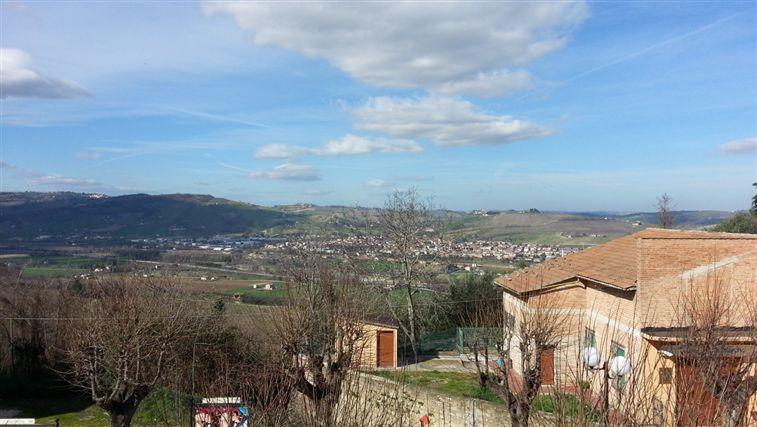 Appartamento in vendita a Castelbellino, 3 locali, prezzo € 74.000 | Cambio Casa.it