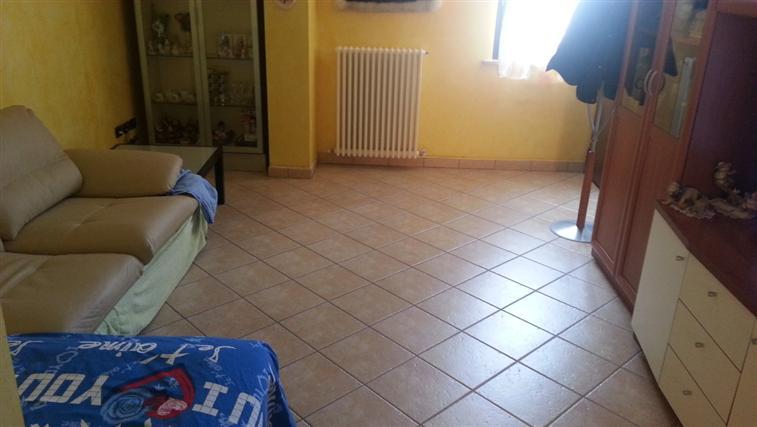 Appartamento in vendita a Castelplanio, 4 locali, zona Zona: Pozzetto, prezzo € 100.000 | CambioCasa.it