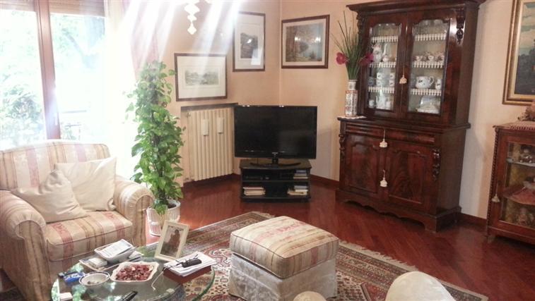 Appartamento in vendita a Maiolati Spontini, 4 locali, zona Zona: Moie, prezzo € 160.000 | CambioCasa.it