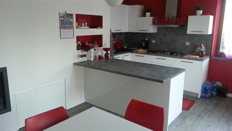 Appartamento in vendita a Rosora, 5 locali, zona Zona: Angeli, Trattative riservate | Cambio Casa.it