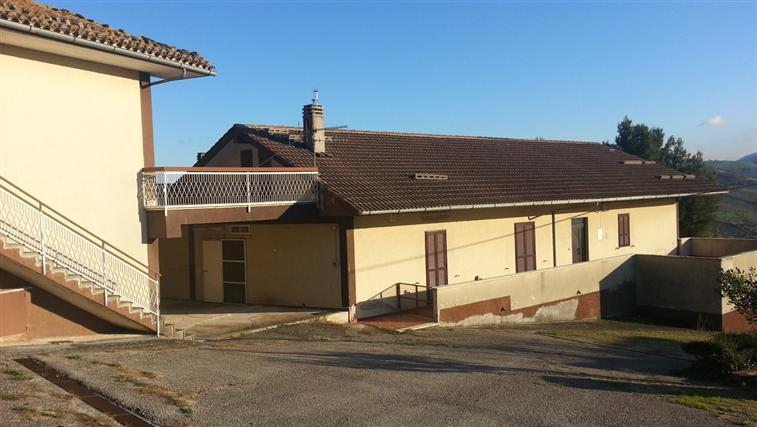 Appartamento vendita SERRA SAN QUIRICO (AN) - 7 LOCALI - 400 MQ