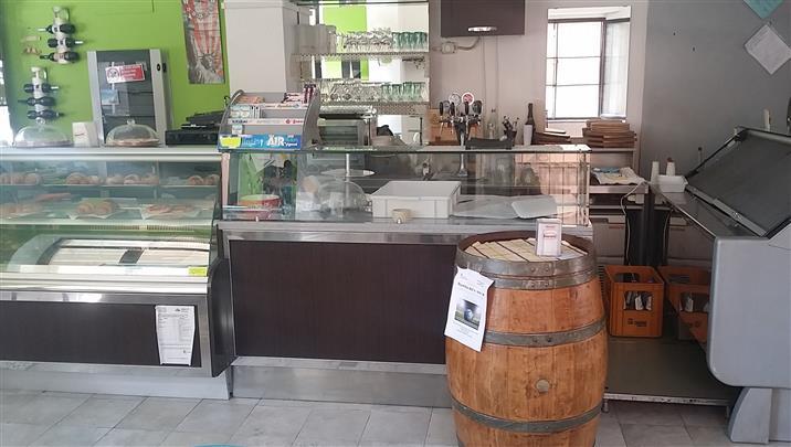 Attività / Licenza in vendita a Castelplanio, 3 locali, zona Località: STAZIONE, prezzo € 55.000 | CambioCasa.it