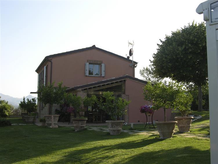 Villa in Vendita a Castelplanio