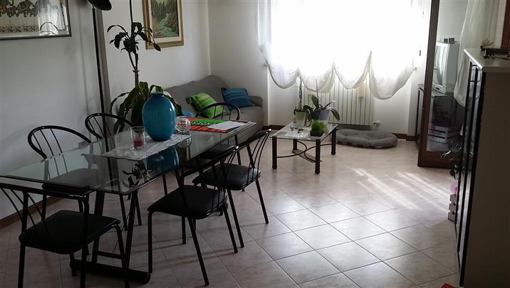 Appartamento in vendita a Castelbellino, 4 locali, zona Zona: Pianello Vallesina, prezzo € 160.000 | Cambio Casa.it