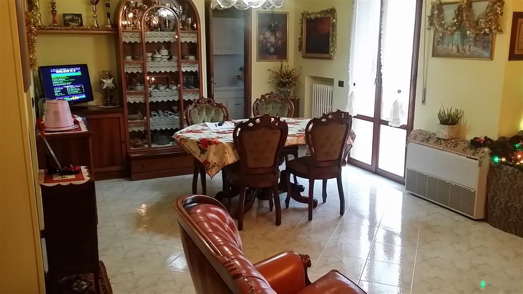 Appartamento in vendita a Castelbellino, 4 locali, prezzo € 145.000 | Cambio Casa.it