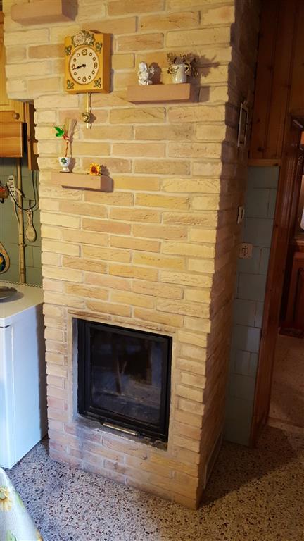 Appartamento in vendita a Maiolati Spontini, 4 locali, zona Località: SCISCIANO, prezzo € 59.000 | Cambio Casa.it