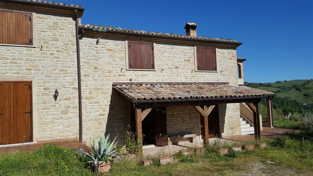 Rustico / Casale in vendita a Mergo, 6 locali, Trattative riservate | Cambio Casa.it