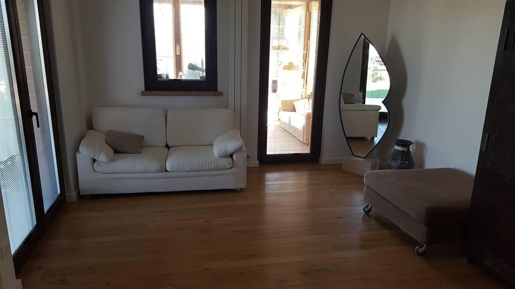 Appartamento in vendita a Castelplanio, 5 locali, prezzo € 140.000 | Cambio Casa.it
