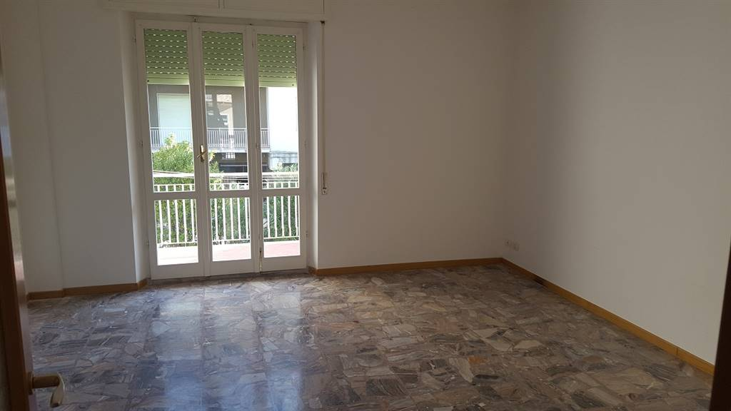 Appartamento in affitto a Maiolati Spontini, 5 locali, zona Zona: Moie, prezzo € 450 | Cambio Casa.it
