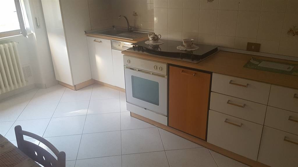 Appartamento in vendita a Poggio San Marcello, 5 locali, prezzo € 90.000 | Cambio Casa.it