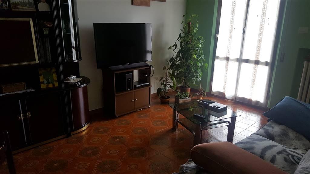 Appartamento in vendita a Jesi, 5 locali, zona Località: GIARDINI, prezzo € 140.000 | CambioCasa.it