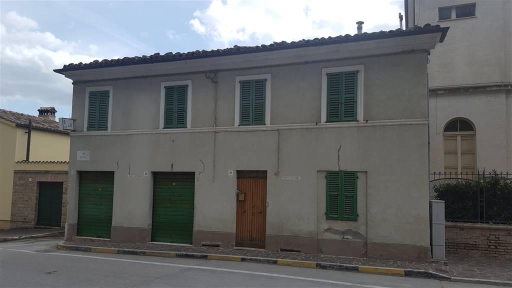 Soluzione Indipendente in vendita a Castelbellino, 5 locali, Trattative riservate | CambioCasa.it