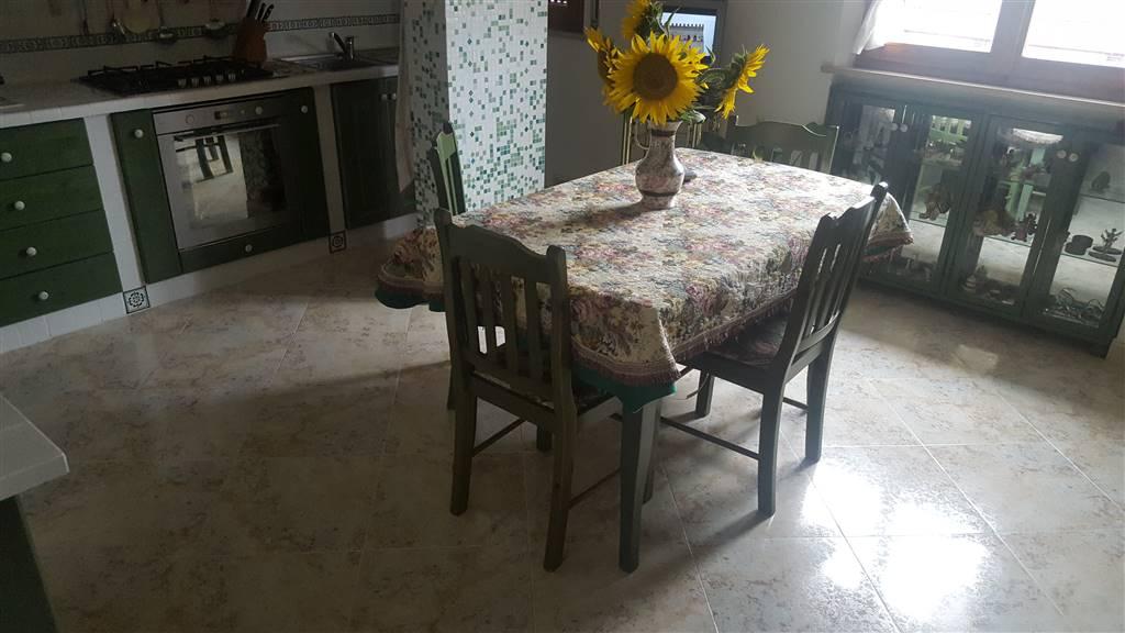 Appartamento in vendita a Maiolati Spontini, 5 locali, zona Zona: Moie, Trattative riservate | CambioCasa.it