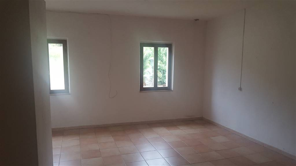 Soluzione Indipendente in affitto a Jesi, 6 locali, prezzo € 300 | Cambio Casa.it