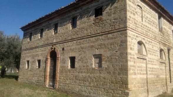 Soluzione Indipendente in vendita a Maiolati Spontini, 6 locali, zona Zona: Moie, prezzo € 260.000   CambioCasa.it