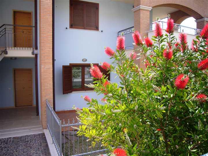 Villa a Schiera in vendita a Miglianico, 4 locali, prezzo € 145.000 | Cambiocasa.it