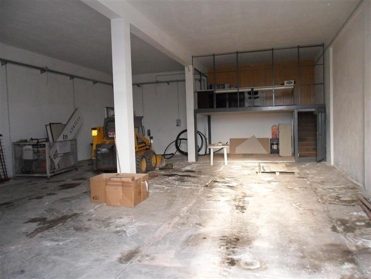 Capannone industriale, Borgo Piave, Latina