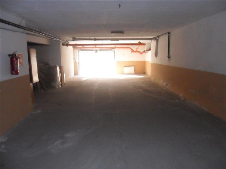 Box / Garage in vendita a Latina, 1 locali, zona Località: PICCARELLO-PIAZZA MORO, prezzo € 70.000   CambioCasa.it