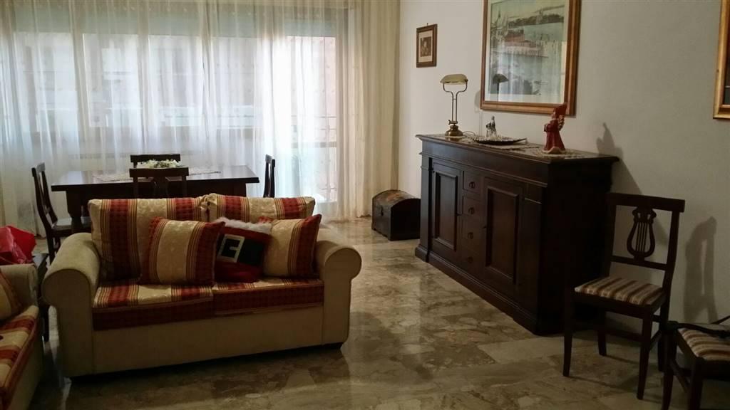 Appartamento in vendita a Latina, 2 locali, zona Località: ISONZO, prezzo € 138.000 | CambioCasa.it