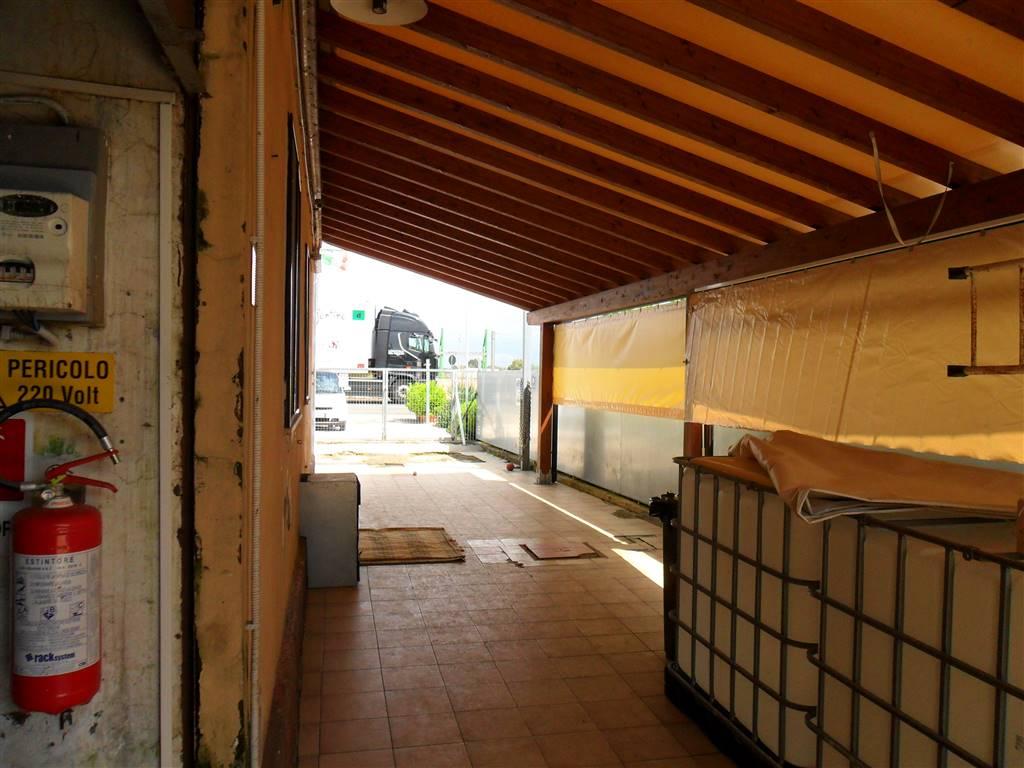 Laboratorio in affitto a Latina, 2 locali, zona Zona: Borgo Isonzo, prezzo € 900 | CambioCasa.it