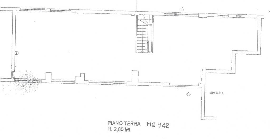 Negozio / Locale in affitto a Latina, 6 locali, zona Località: AUTOLINEE, prezzo € 2.500   CambioCasa.it