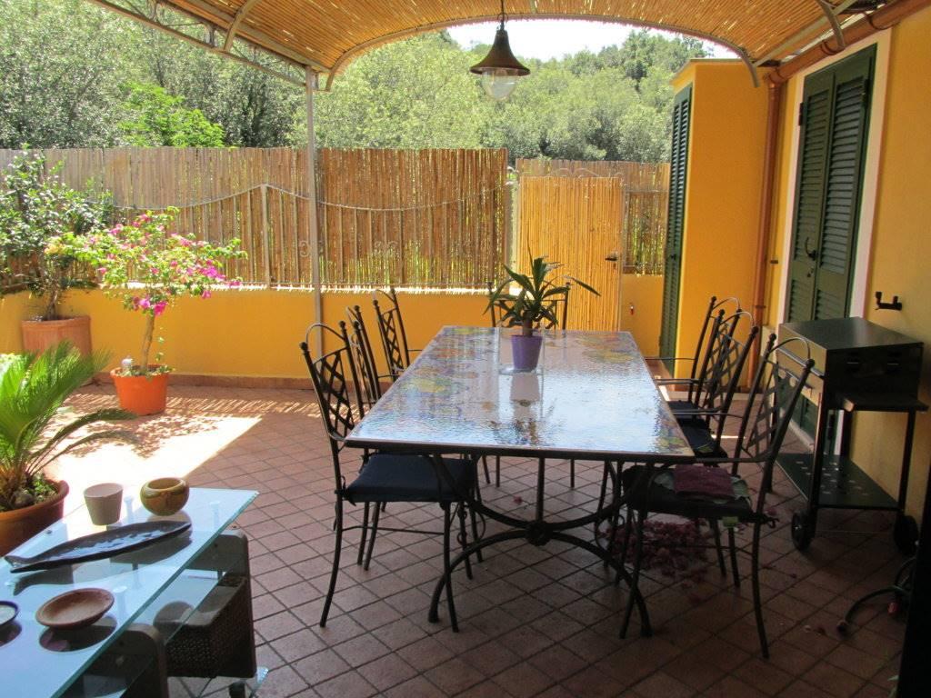 Appartamento in vendita a Lacco Ameno, 3 locali, prezzo € 295.000   CambioCasa.it