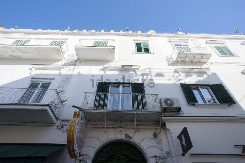 Casa ischia cerca case a ischia for Appartamenti ischia