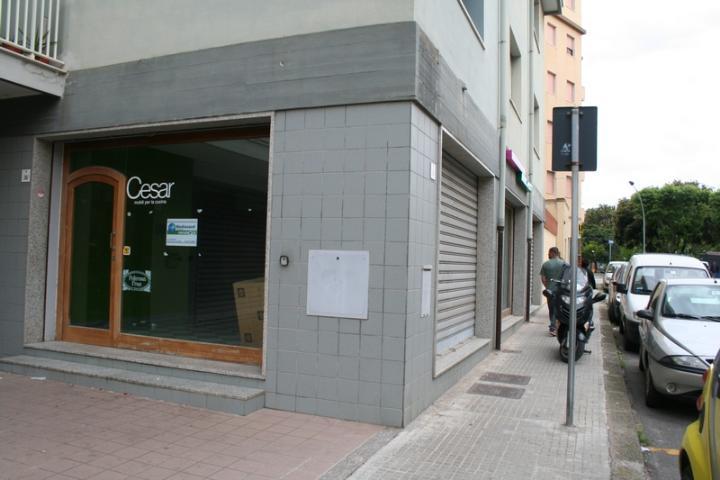 Negozio / Locale in affitto a Alghero, 9999 locali, zona Località: Z7-MERCEDE, prezzo € 2.000 | CambioCasa.it