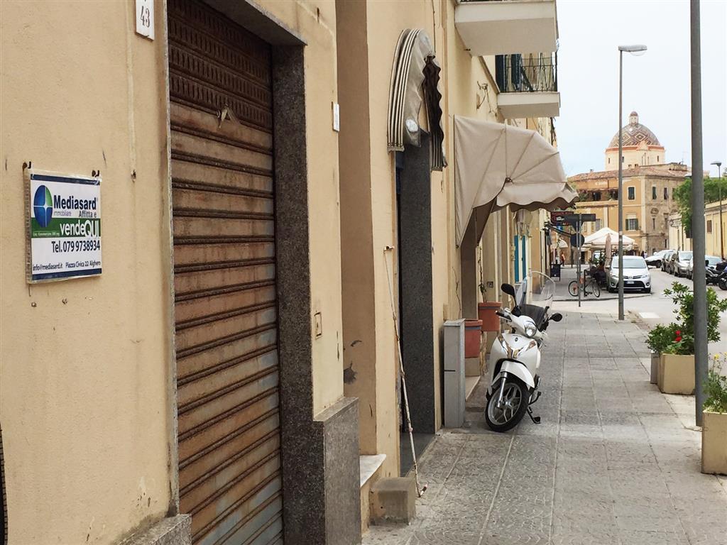 Attività / Licenza in vendita a Alghero, 9999 locali, zona Località: Z10-CENTRALE, prezzo € 380.000 | Cambio Casa.it
