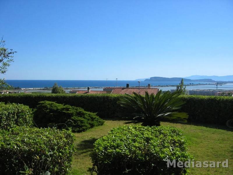 Villa in vendita a Cagliari, 8 locali, prezzo € 690.000 | Cambio Casa.it